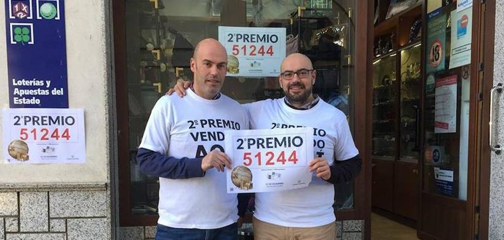 Compra 14 décimos del segundo en Santander y un hermano rompe uno por error