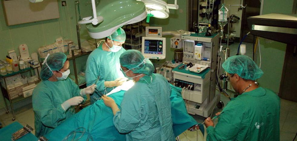 El SES propone que los médicos sigan hasta los 72 años como eméritos
