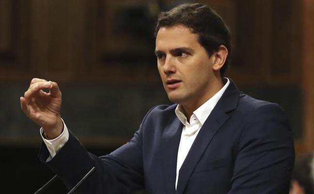 Rivera rechaza «batiburrillos» para desalojar al PP del Gobierno