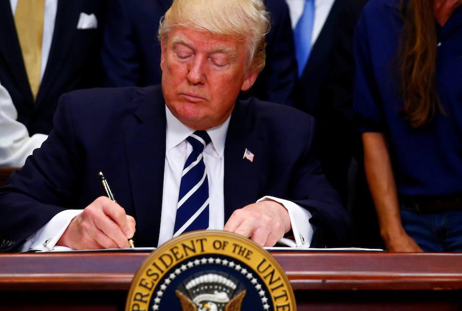 Trump deleita al exilio cubano con cambios al deshielo emprendido por Obama