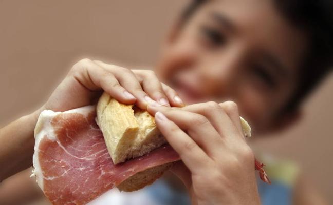 El Defensor del Pueblo quiere garantizar la alimentación a todos los menores en vacaciones