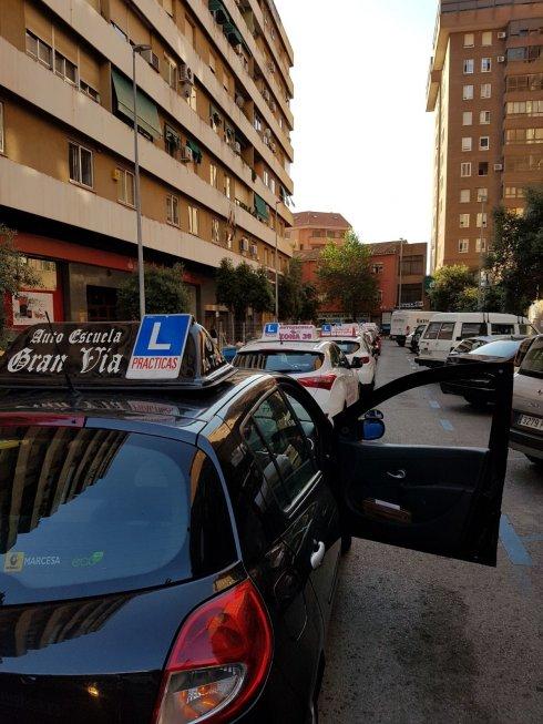 Las autoescuelas protestan al verse afectadas por la - Jefatura provincial de trafico de santander ...