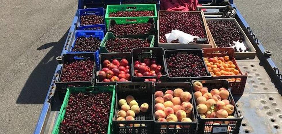 Retiran 350 kilos de fruta ilegal en mercadillo de Badajoz