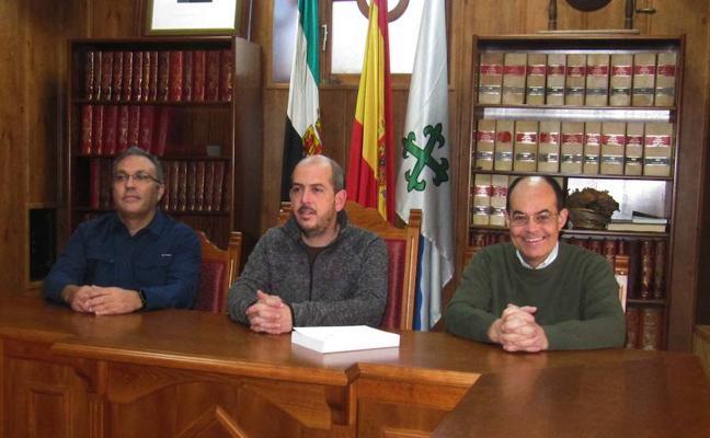 Ramos Rubio muestra Cañamero y Talaván en dos publicaciones