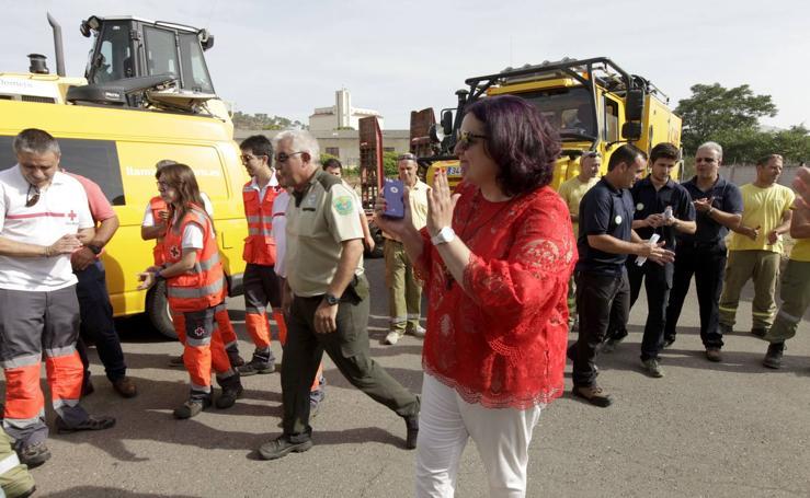 Más de 50 profesionales extremeños y 20 vehículos parten hacia Portugal