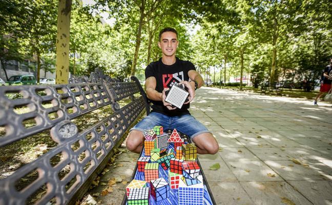 David Zaheri, el mago del cubo