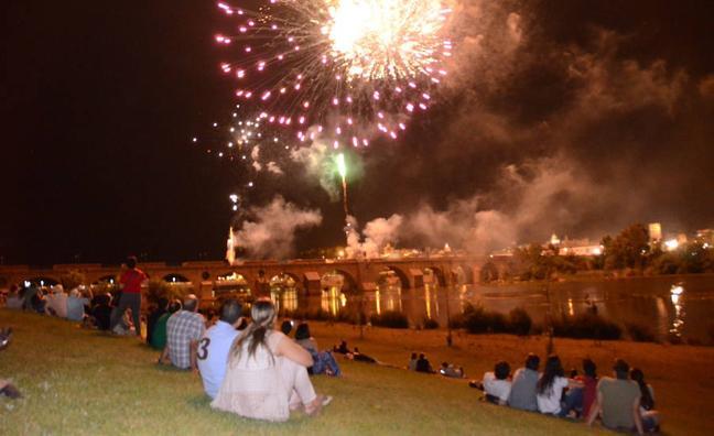 Badajoz inaugura su feria en la noche de San Juan