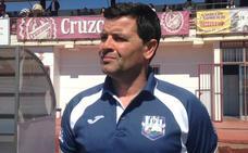 El Arroyo perfila su plantilla con ocho renovaciones y el fichaje de Víctor Guerra
