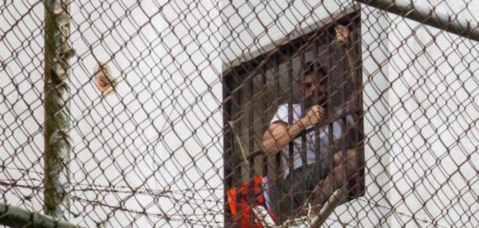 Leopoldo López grita «me están torturando» en un vídeo difundido por su esposa