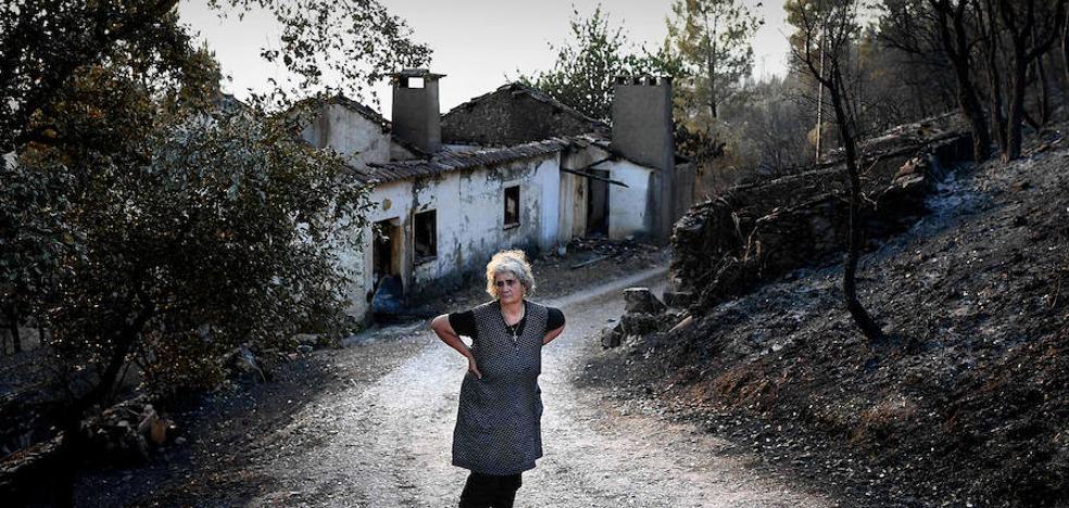 Paisajes en negro en Portugal tras el peor incendio de su historia