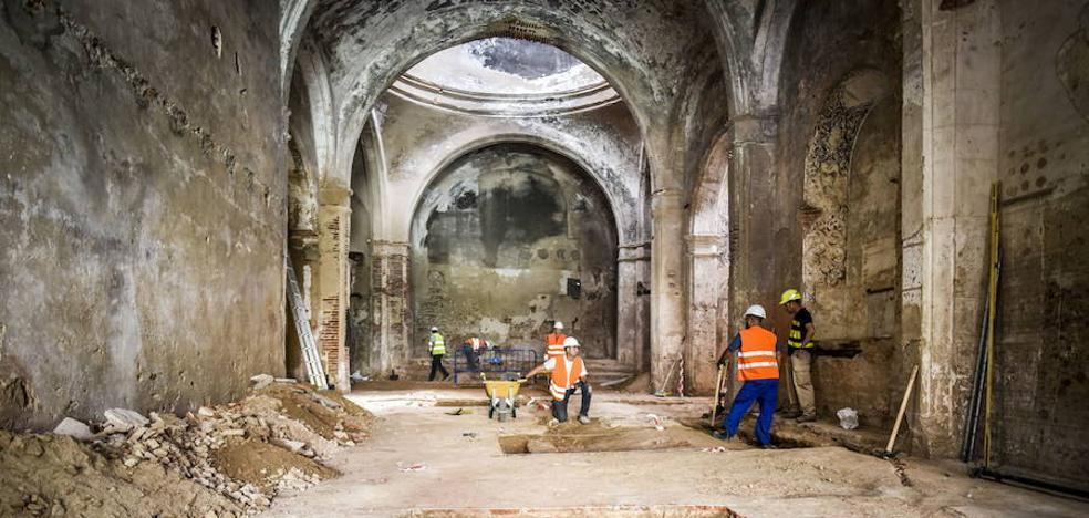 Salen a la luz siete criptas bajo el suelo de la antigua iglesia de Santa Catalina