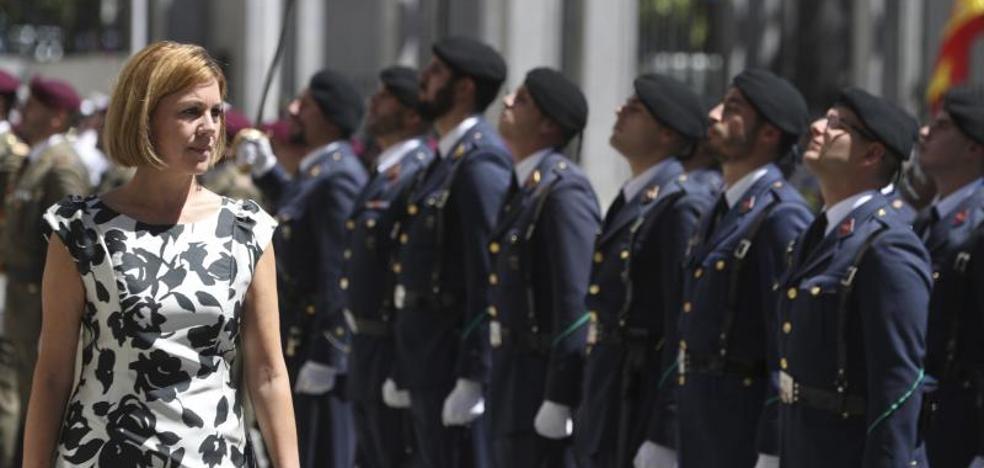 Cospedal recuerda que el Ejército está para garantizar la integridad de España