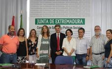 Extremadura aprueba el primer pacto que regula las oposiciones del SES