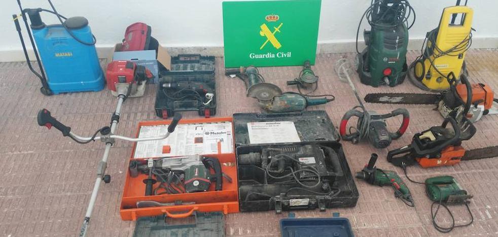 Detenido un hombre de 51 años por robar herramientas en varias parcelas de Cáceres