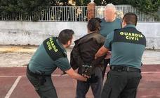 Alivio en La Codosera tras la detención del hombre que agredió a su padre