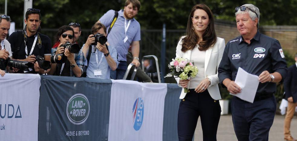 Kate Middleton no se cansa de usar la misma chaqueta de Zara