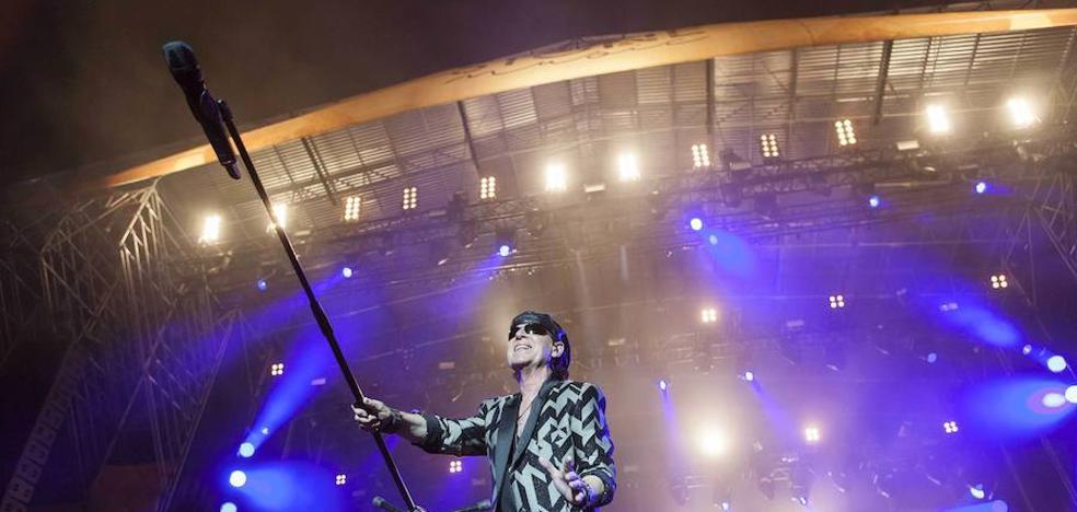 'Scorpions' abre el Stone & Music Festival ante más de 10.000 personas en Mérida