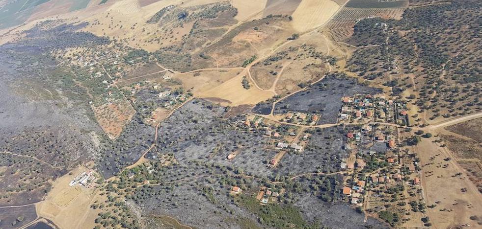 El incendio de la Sierra de San Serván ya está controlado