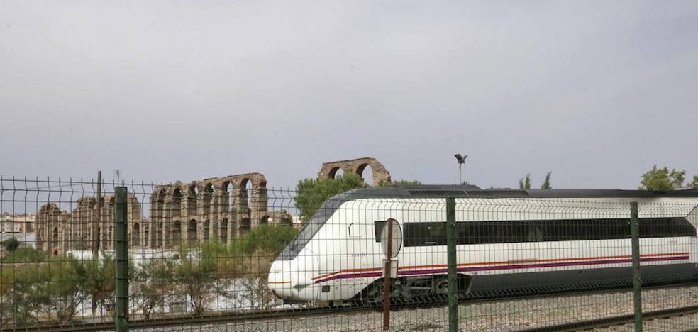 La Junta cree que Renfe presta en Extremadura servicios del siglo XIX