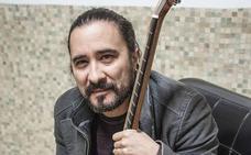 El extremeño Javier Alcántara actuará este sábado en el Monasterio de Tentudía