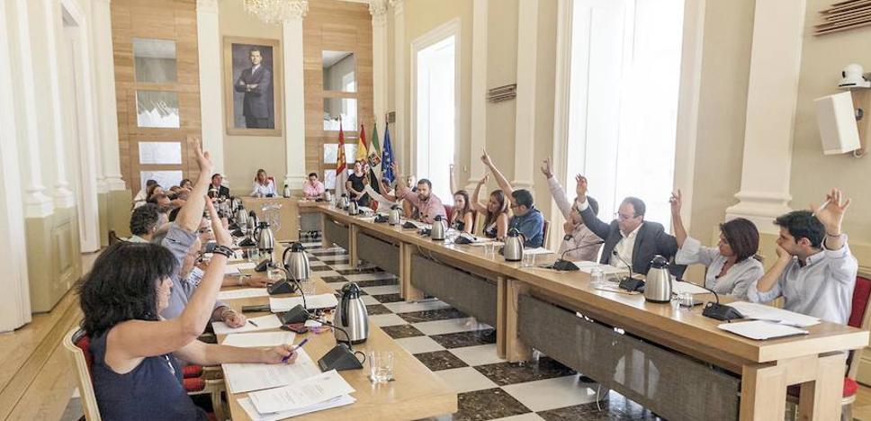 La oposición obliga a anular el concurso del matadero y el PP plantea ir a la Fiscalía