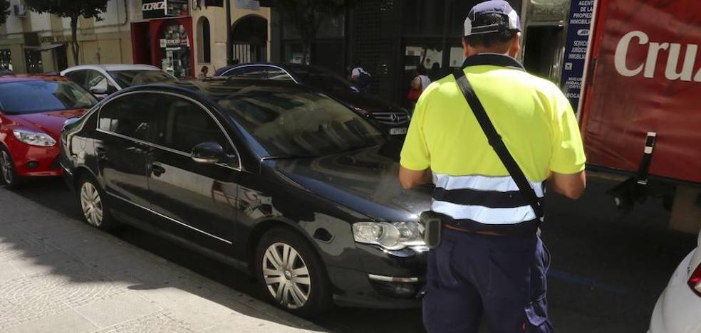 El Ayuntamiento de Mérida modificará el contrato de transportes urbanos y la zona azul