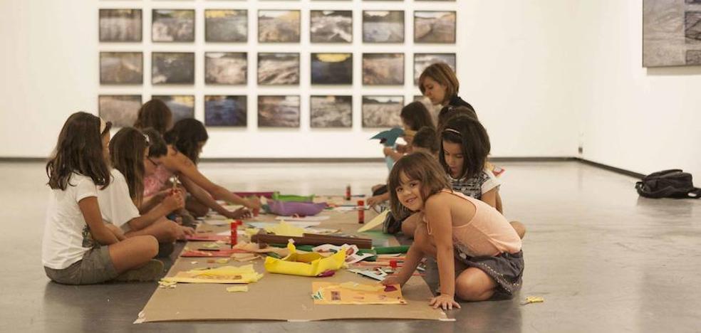 Talleres infantiles en el Centro de Artes Visuales Helga de Alvear