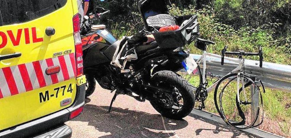 Muere un ciclista de 42 años en Madrid tras chocar contra una moto