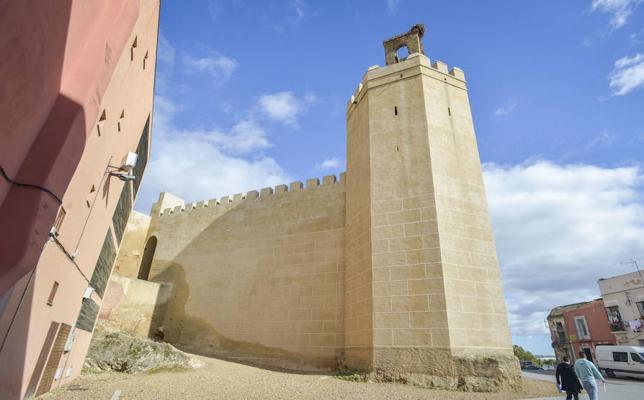 El PSOE pide crear una réplica de la campana de la torre de Espantaperros