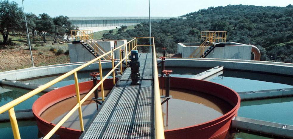 El agua depurada por Promedio en 2016 llenaría un embalse como Los Canchales