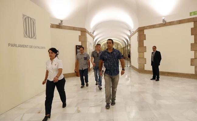 La Guardia Civil interroga a altos cargos del Govern por el referéndum