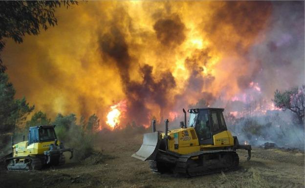 El incendio en las Puertas de Rodão obliga a evacuar Gardete