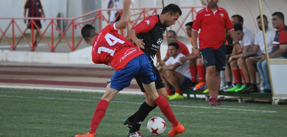 Izquierdo debuta con victoria en Don Benito
