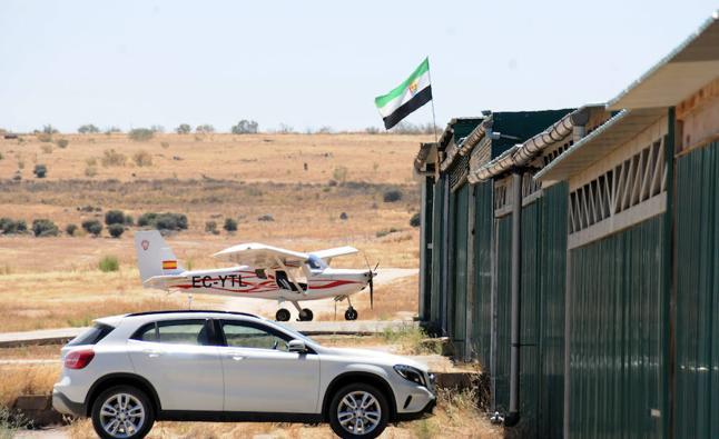 El aeródromo de Royanejos contabiliza 200 aterrizajes en los seis últimos meses