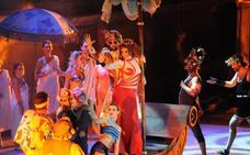 El público se rinde ante los encantos de 'La bella Helena'