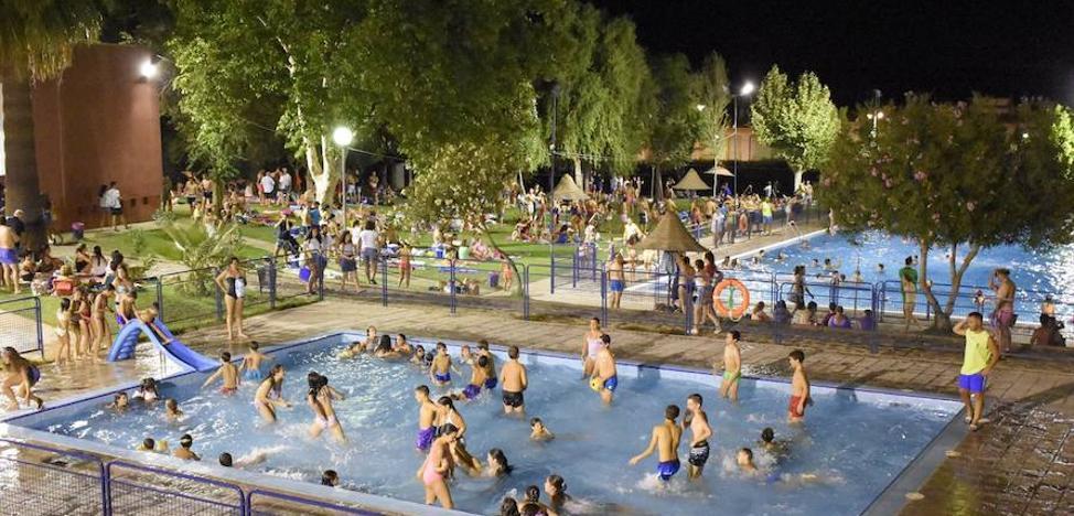 La localidad festeja desde hoy la vi zaragut a mora hoy for Putas en la piscina