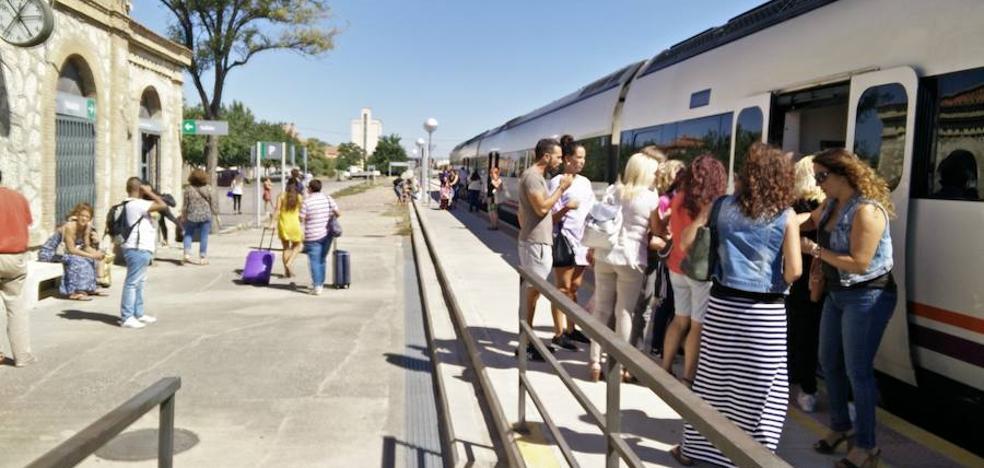 Dos trenes con destino a Extremadura vuelven a acumular retraso por averías