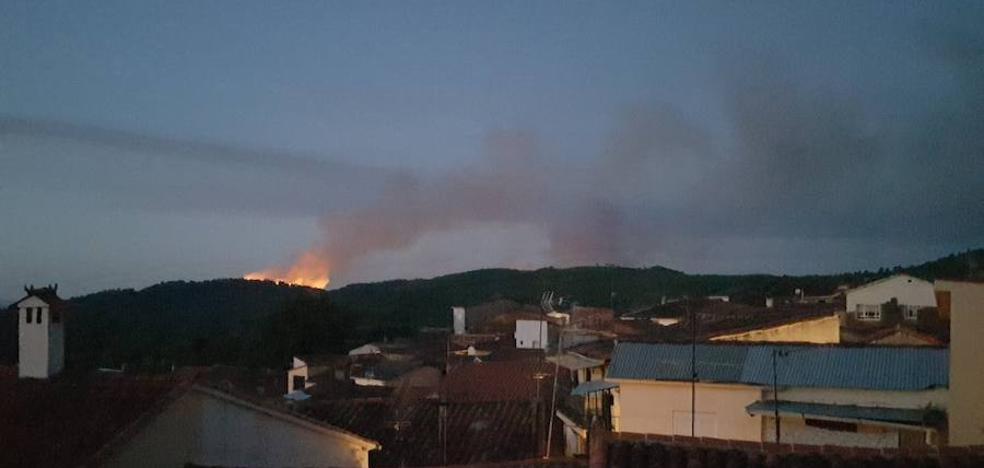 El Infoex da por estabilizado el fuego en Santibáñez el Alto