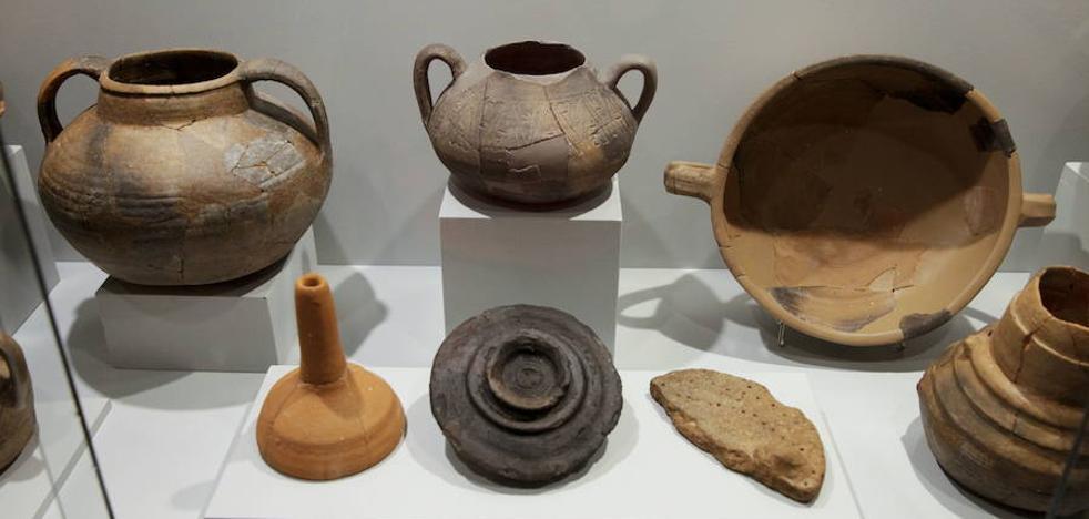 Exposición en el Museo sobre el yacimiento de 'Al-Balât'