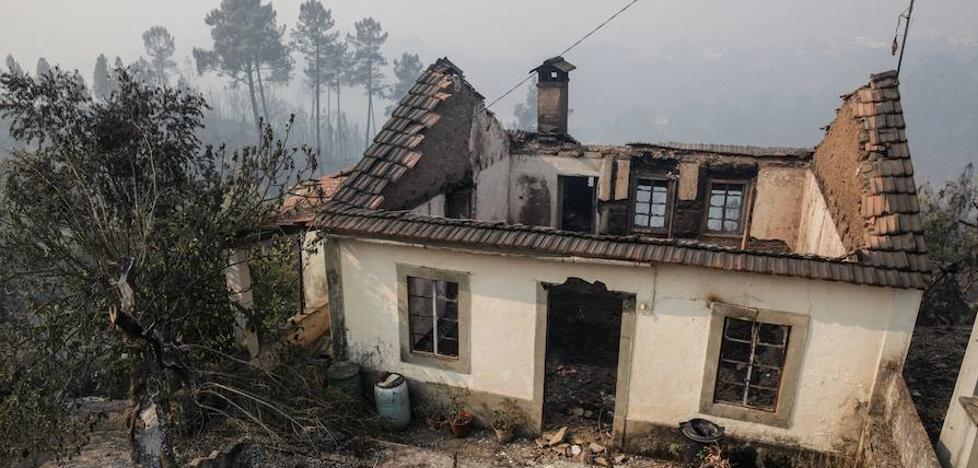Portugal pide ayuda para afrontar su récord de incendios