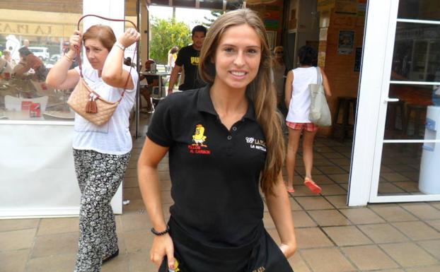 Carmen Calvo, una estudiante pacense en La Antilla. ::j.l