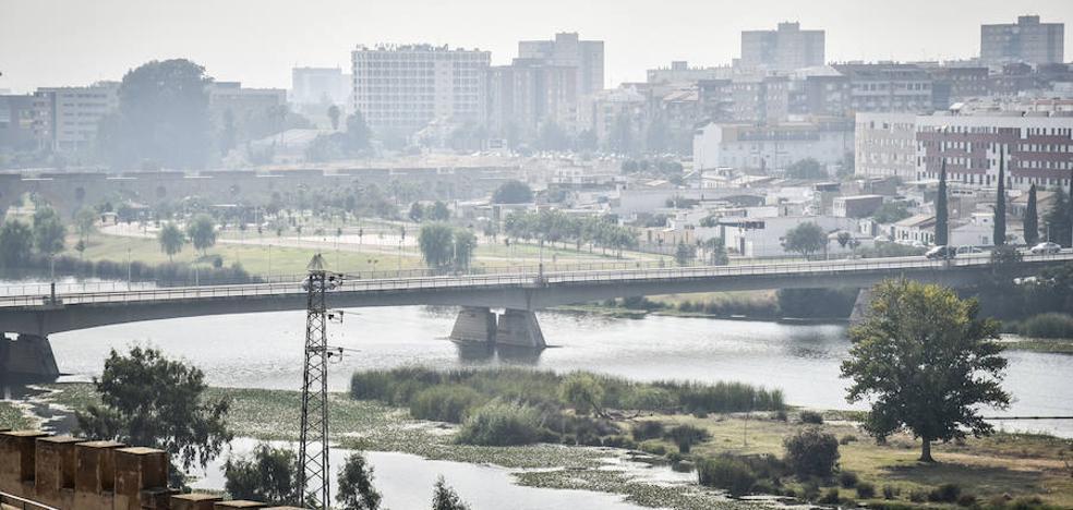 Nube de humo sobre Badajoz