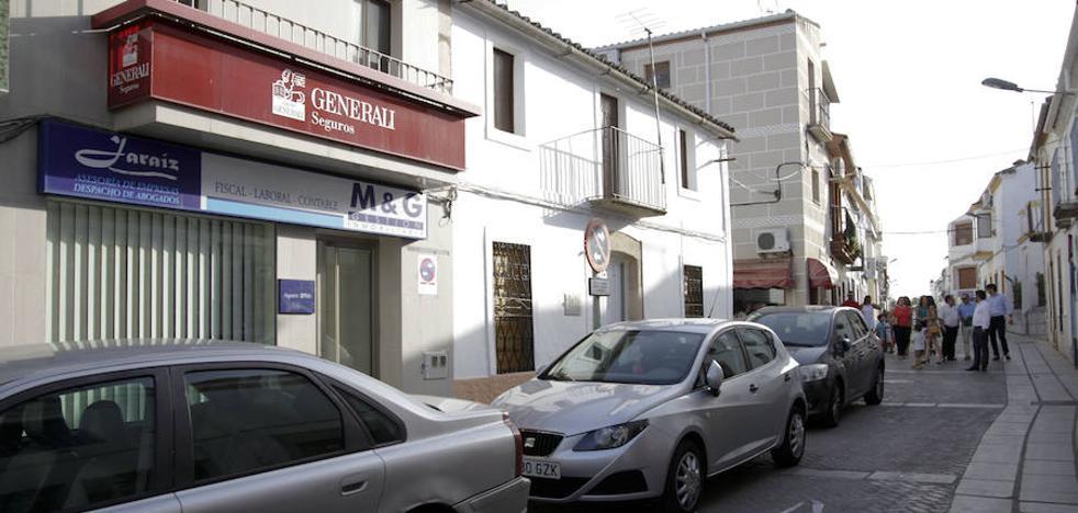 El alcalde de Alcuéscar denuncia actos vandálicos contra su negocio familiar y vivienda