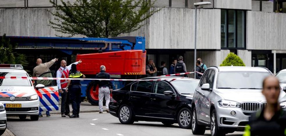 Detienen a un hombre tras asaltar una radio holandesa armado con un cuchillo