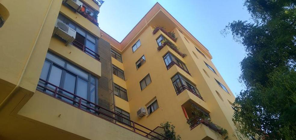 Muere la mujer que se precipitó desde un cuarto piso en Badajoz