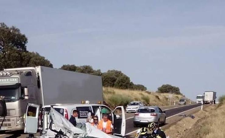 Un muerto y dos heridos en otro accidente en la N-430 a la altura de Casas de Don Pedro