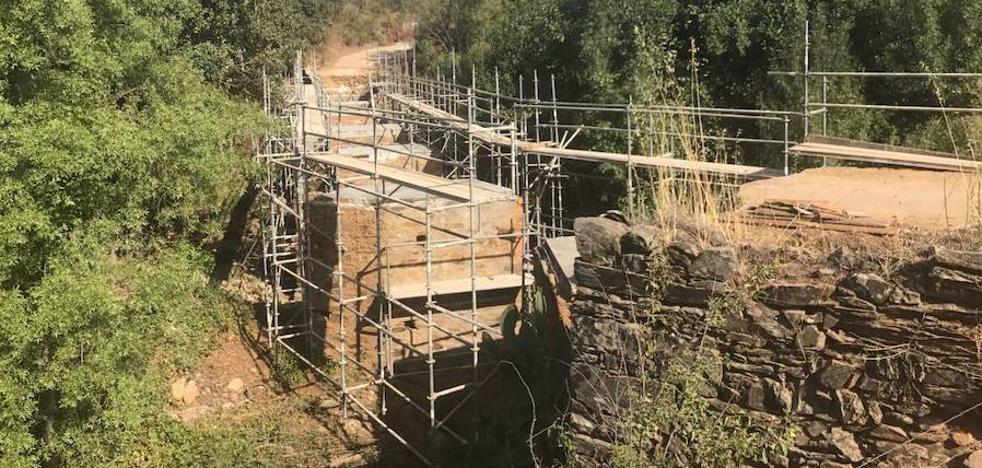 La Junta arregla el puente de Castañar de Ibor, una obra «clave» para los agricultores de la zona