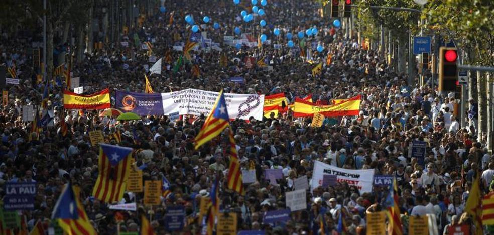 Vara, Monago y los presidentes de las diputaciones asisten en Barcelona a la manifestación