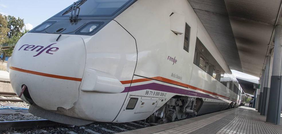 Nuevo retraso en un tren que viaja hacia Extremadura