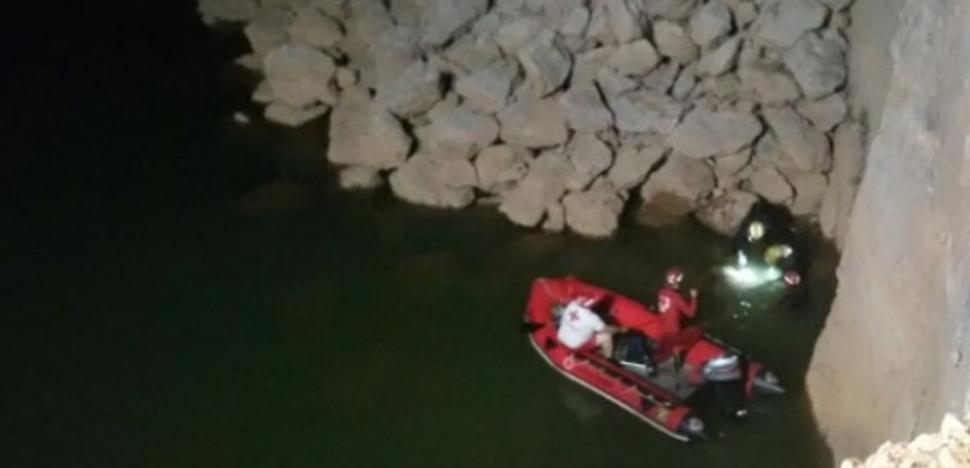 Muere un joven de 18 años en la charca de una cantera de Cáceres